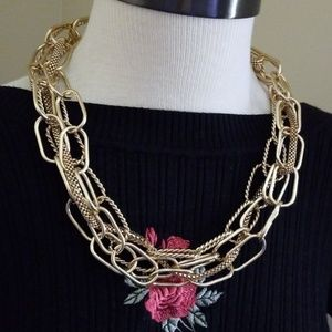 Jewelry - GOLD CHAIN STATEMENT NECKLACE